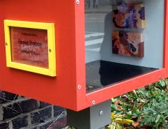 """Of course, we always encounter great art, no matter where! We've seen this little gallery installation before... in a different location. It's Renée Preboy's """"United Colour"""" (last seen in June)."""