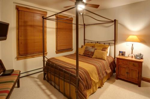 A203-second-bedroom