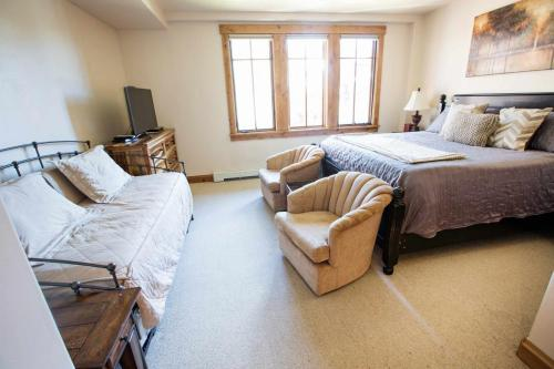 A301-second-bedroom