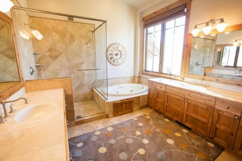 A304-master-bathroom