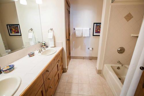 B202-third-bathroom