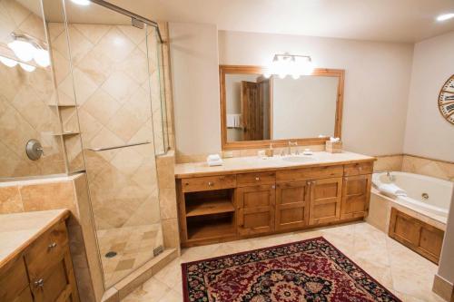 C103-master-bathroom