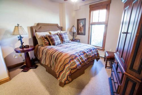 C103-third-bedroom