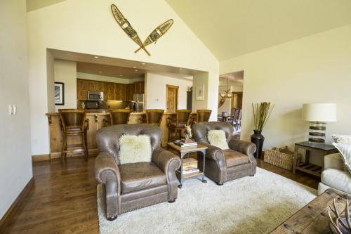 C401 living room 3