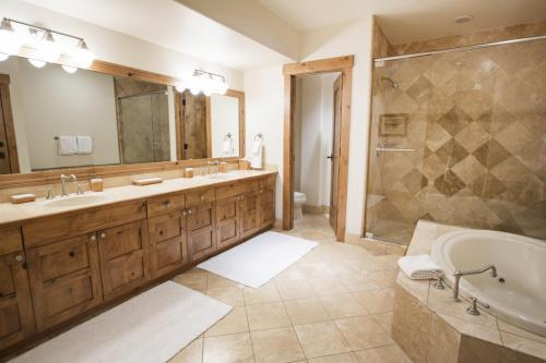 C401 master bathroom