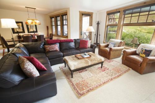 1- A103 living room