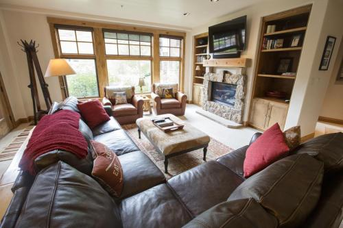 2- A103 living room 2