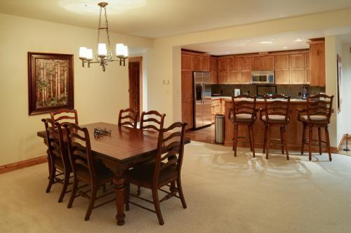 3- A206 dining room