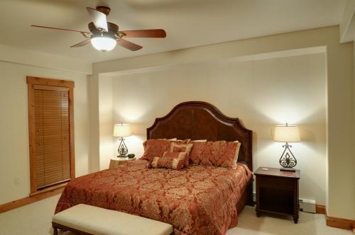 4- A206 master bedroom