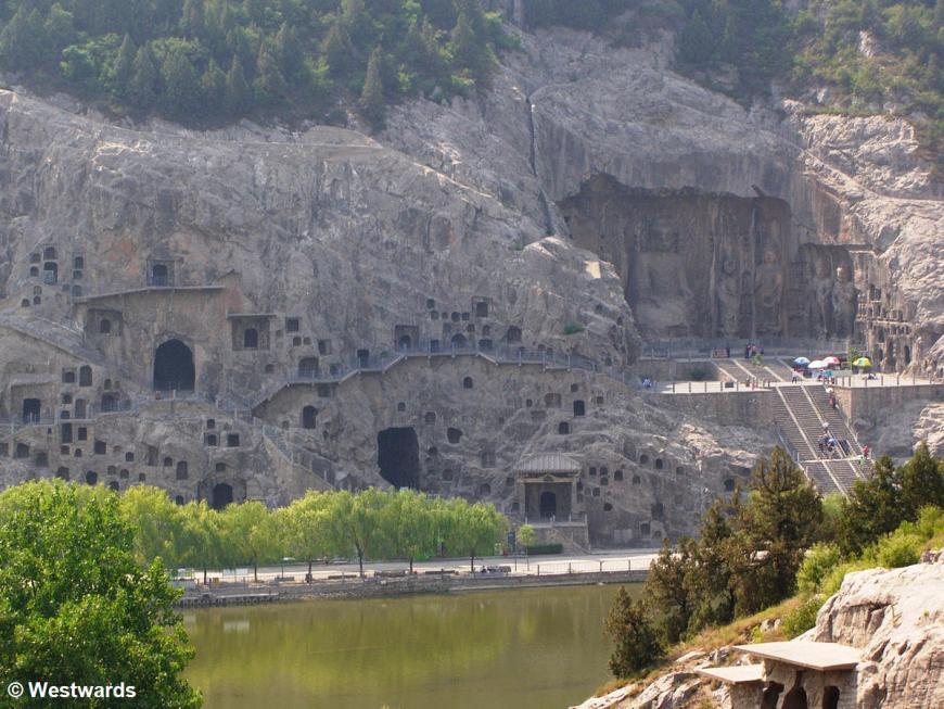 20060619 Longmen Western caves 3