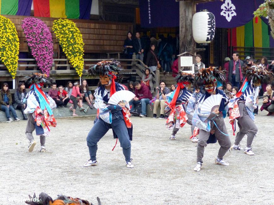 20131103 Hiraizumi Chusonji matsuri dance P1040762