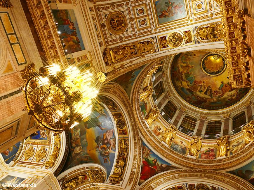 Golden ceiling of the Isaac cathedral, a sightseeing highlight in St Petersburg