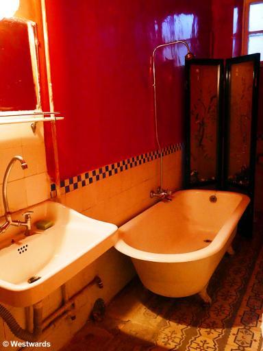 Bathroom of the Palmyra Hotel in Baalbek