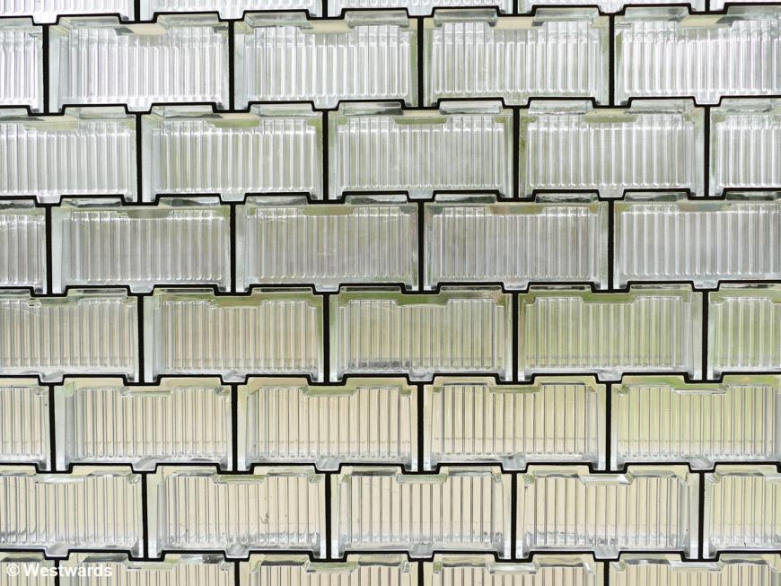 Bauhausdenkmal Bernau glassbrick wall