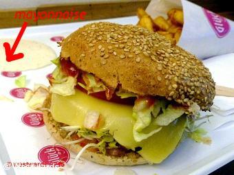 Gluecktogo Chili Burger with Mayonnaise