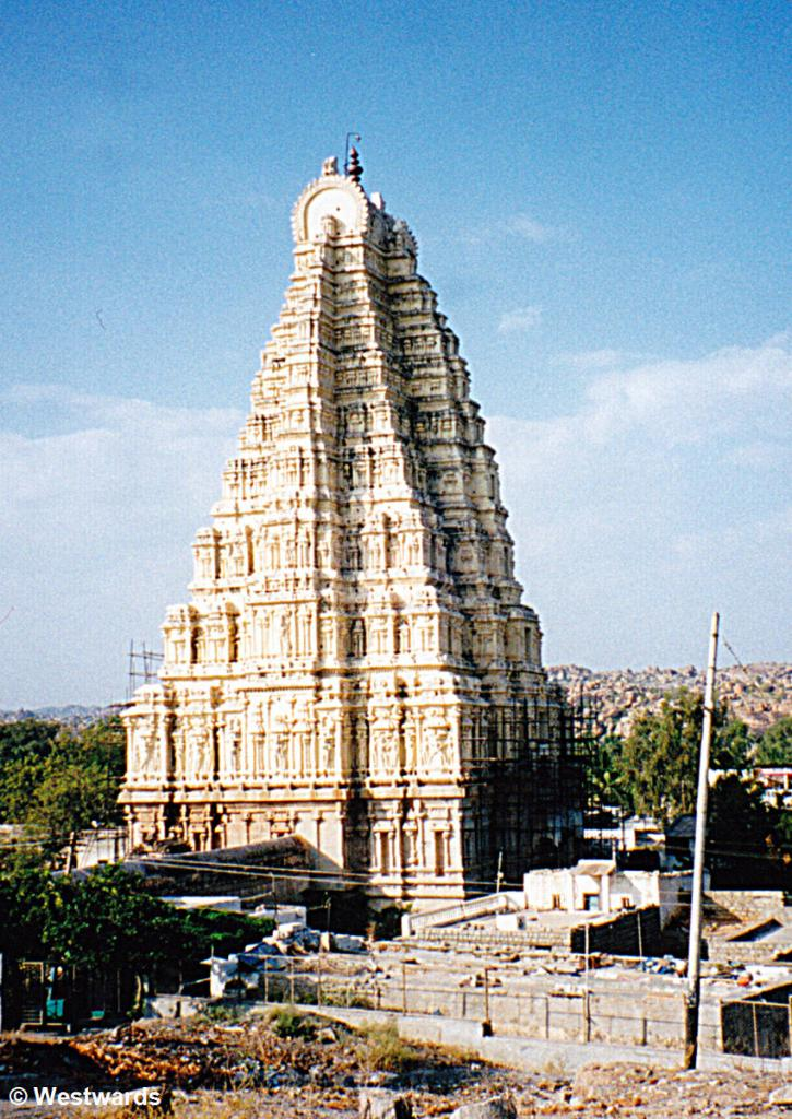 Virupaksha-Temple in Hampi, one of our India sightseeing highlights