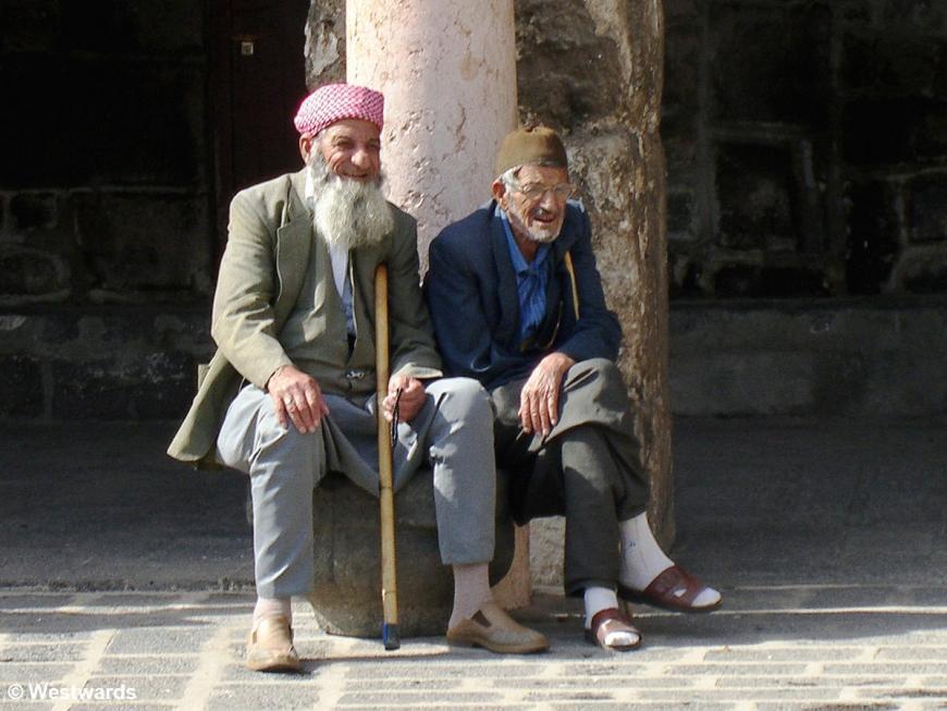 Old men sitting at Ulu Camii in Diyarbakir