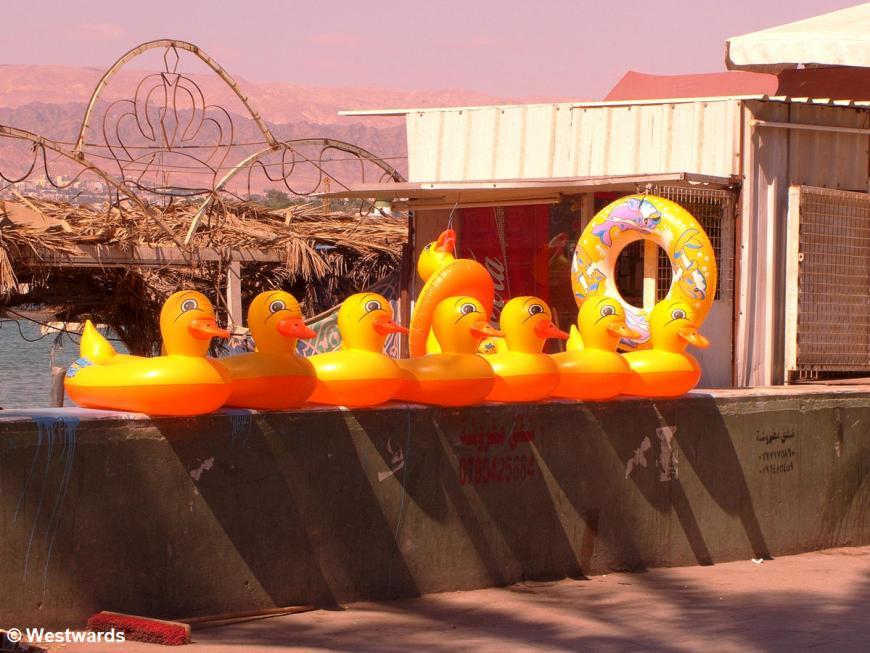 20070227 Aqaba Quacker floats