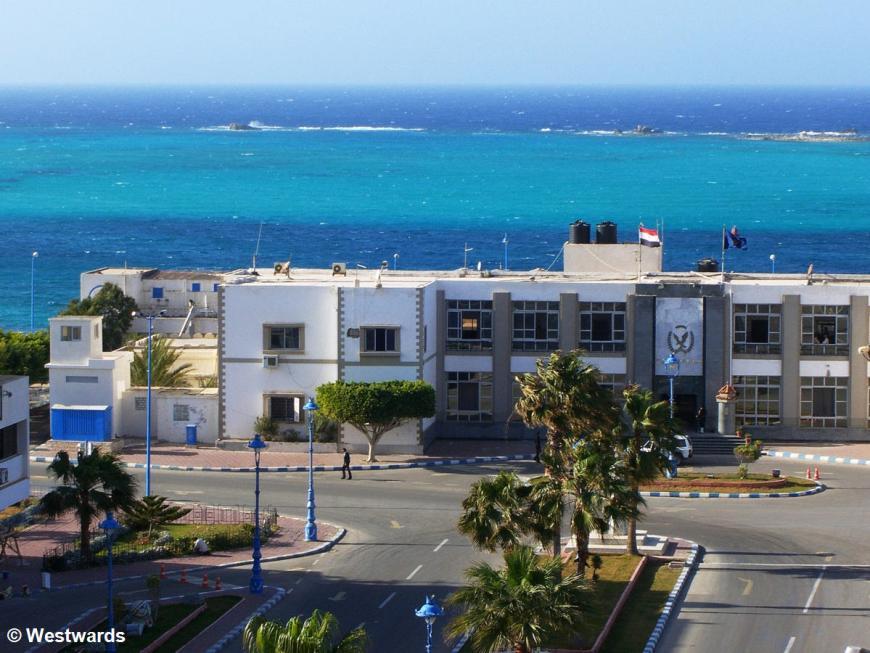 Libyan visa in hand, we have arrived in Marsa Matruh near the border!