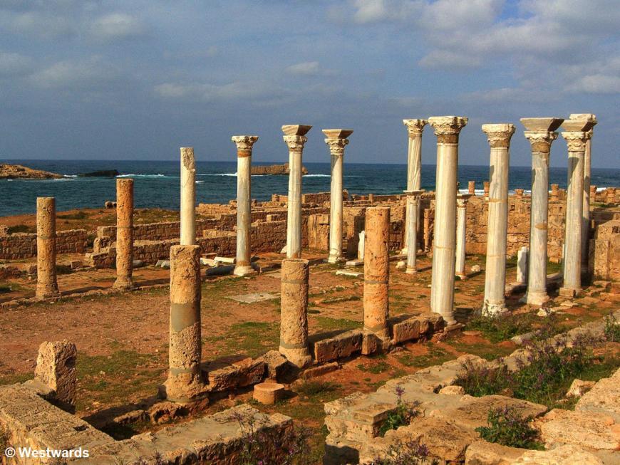 20070402 Apollonia Central Church5