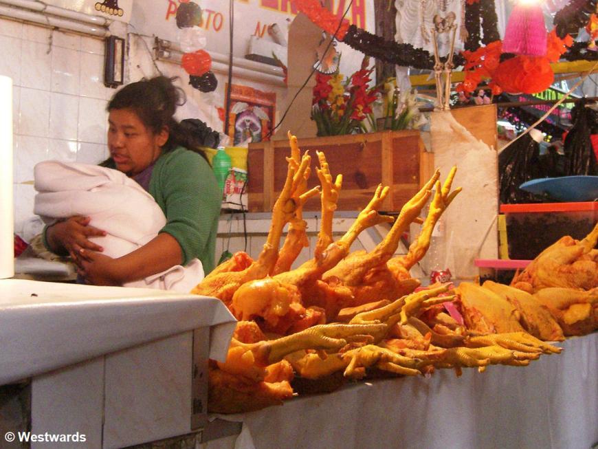 20071025 Oaxaca Market chick n baby 9634