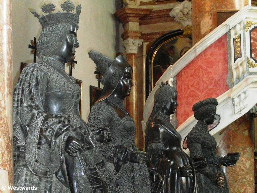 inside Innsbruck Hofkirche: black statues