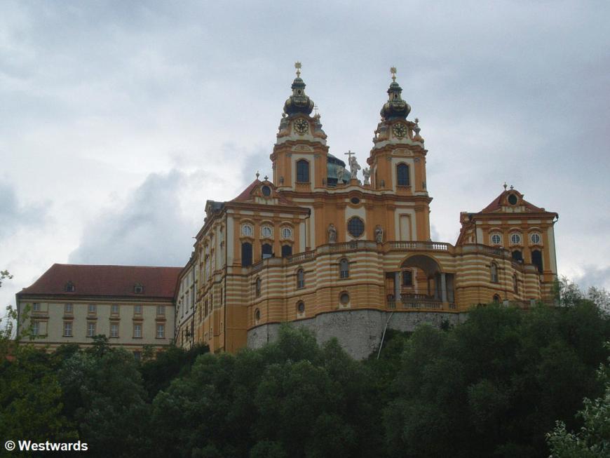 side view of the Austrian monastery Stift Melk 2615