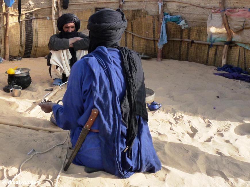 20090105 Pompetin Tuareg men 1020943