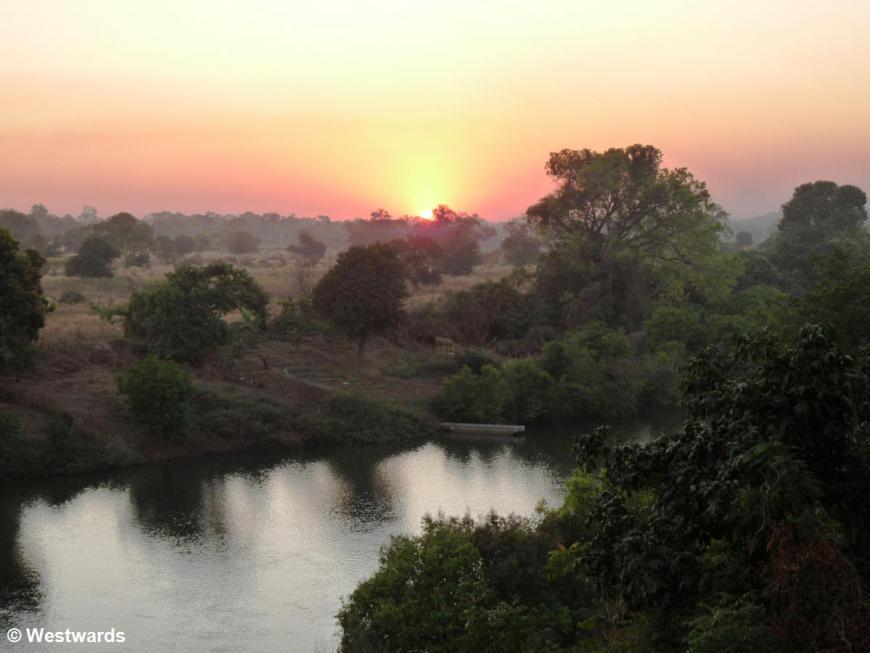 20090119 Kedougou sunset Gambia River 1030435