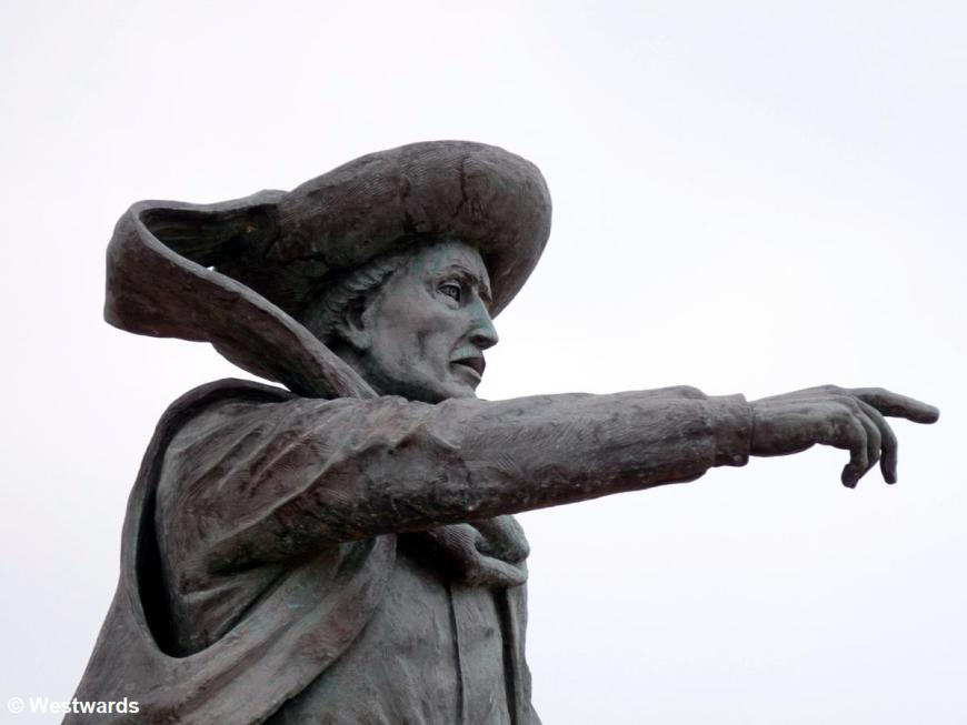 Infante Henrique statue in Sagres