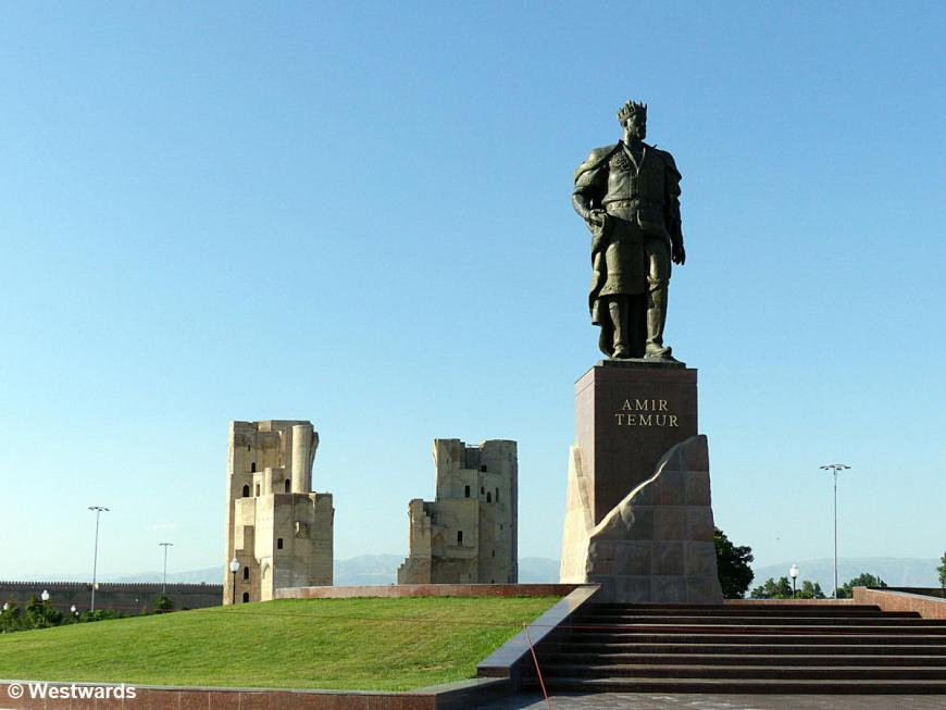 Statue of Timur in Shachrisabz