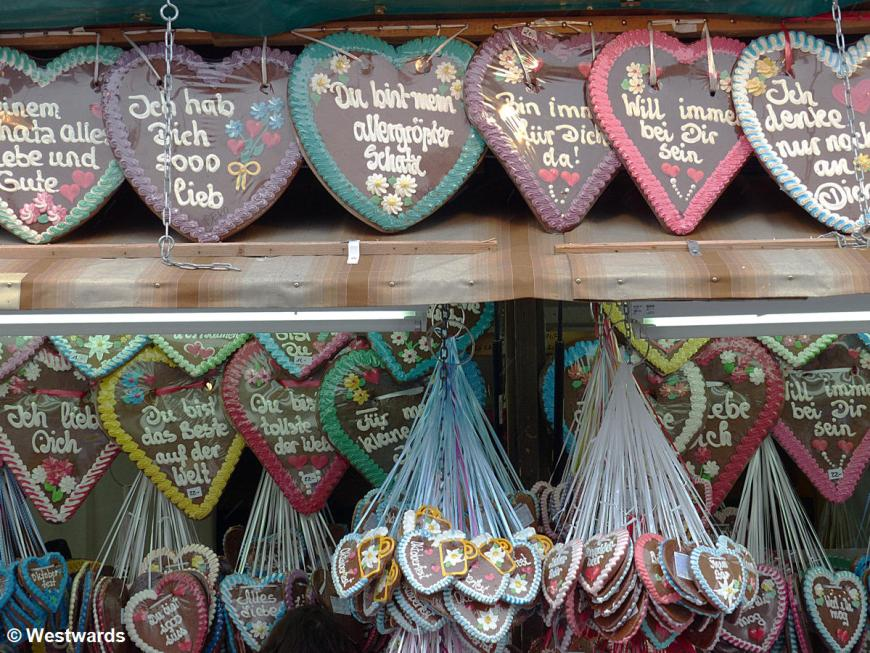 Gingerbread hearts at Munic Oktoberfest