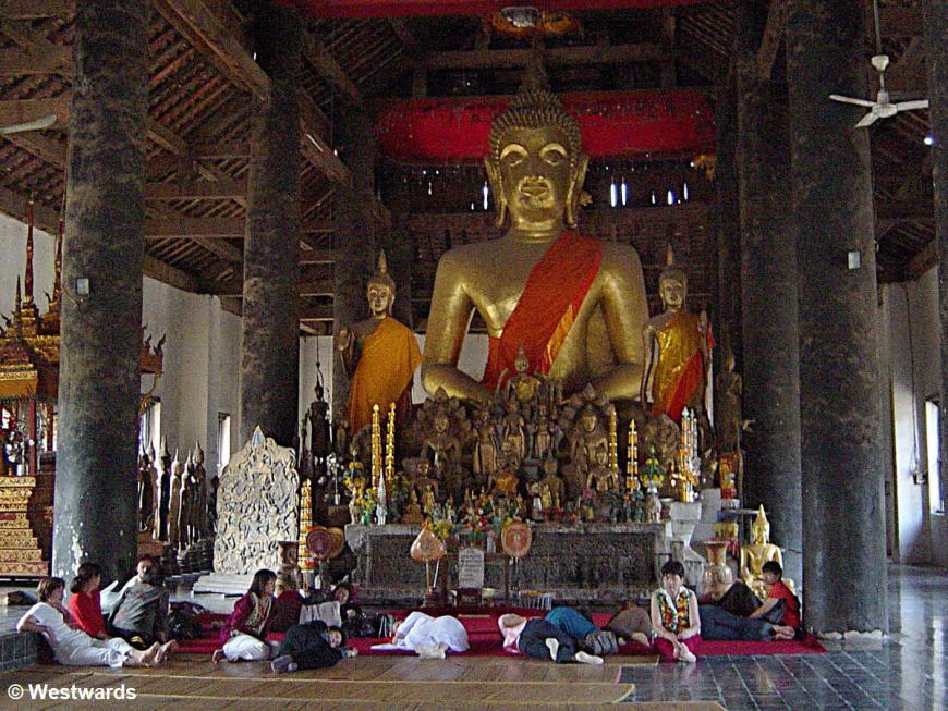 Pilgrims in Vat Visounarath, Laos