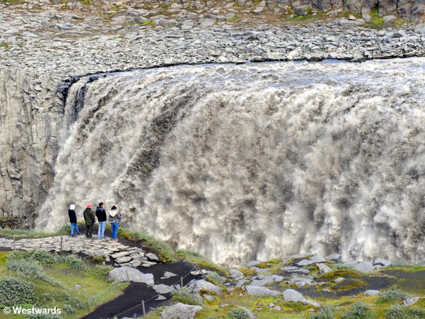 Dettifoss and Iceland tourists