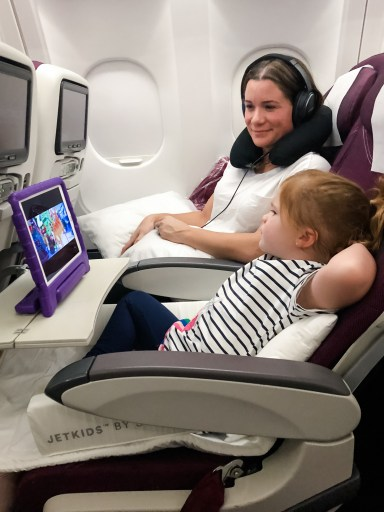 flying relaxed toddler kid ipad jetkids bedbox