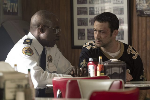 PROJECT POWER (L to R) COURTNEY B. VANCE as CAPTAIN CRAINE and JOSEPH GORDON-LEVITT as FRANK in PROJECT POWER Cr. SKIP BOLEN/NETFLIX © 2020