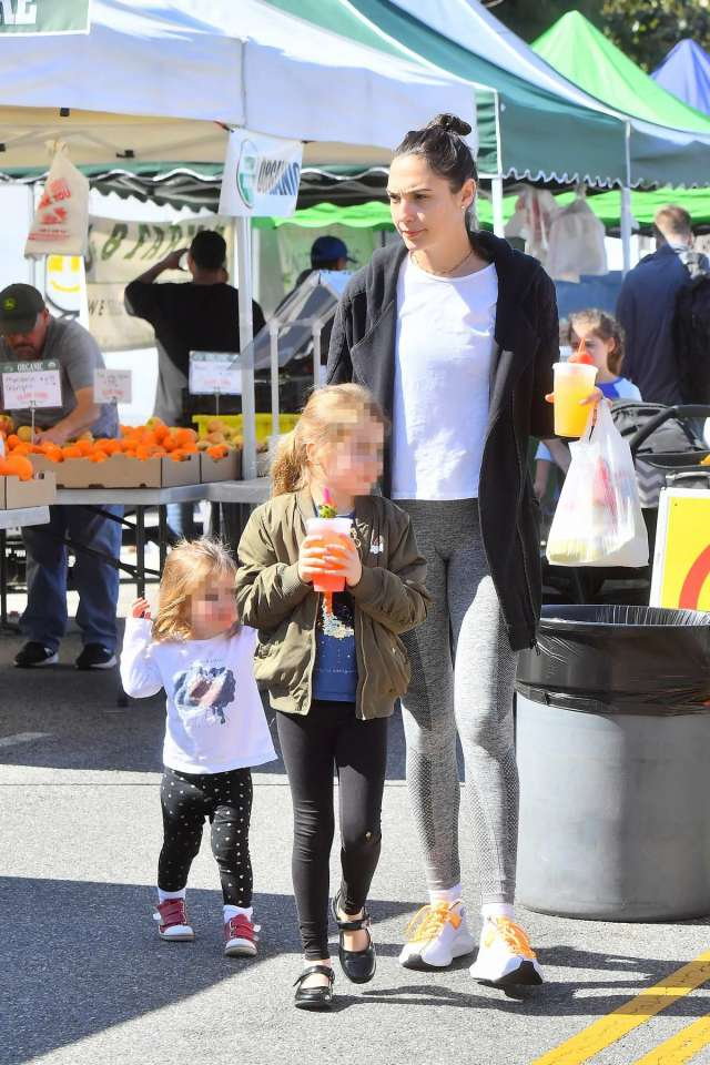gal gadot enjoys a day with her kids at the farmers market in los angeles 240219 3