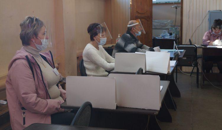 Сергей Ситников поблагодарил работников избирательных комиссий за легитимно проведенные выборы