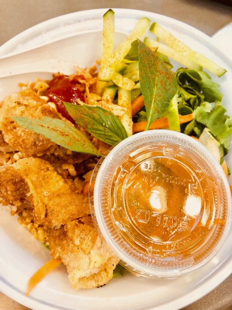 10 MUST-EAT Food in Vancouver