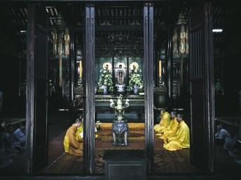 Hue: Thien Mu Pagoda, Buddhist monks