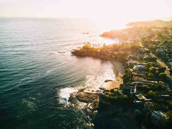 Best Things to Do in Laguna Beach California Adam Sterling Shaw's Cove derek-liang-261449-unsplash