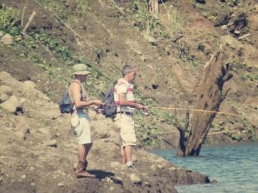Ticos beim angeln