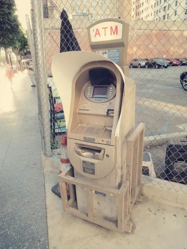 der wohl vertrauenserweckenste ATM am Walk of Fame