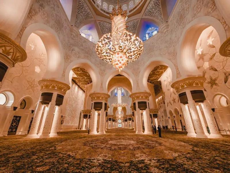 Sheikh Zayed Moschee – Abu Dhabi Reiseführer