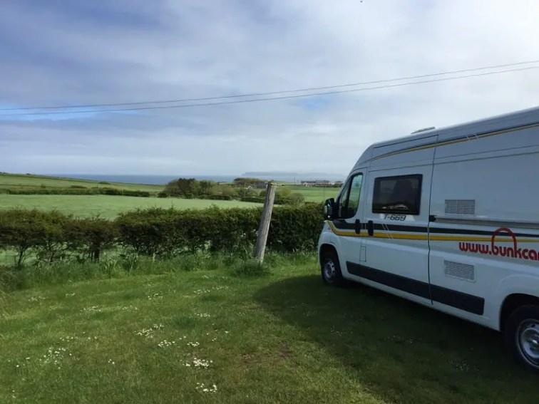nordirland road trip bunk campers