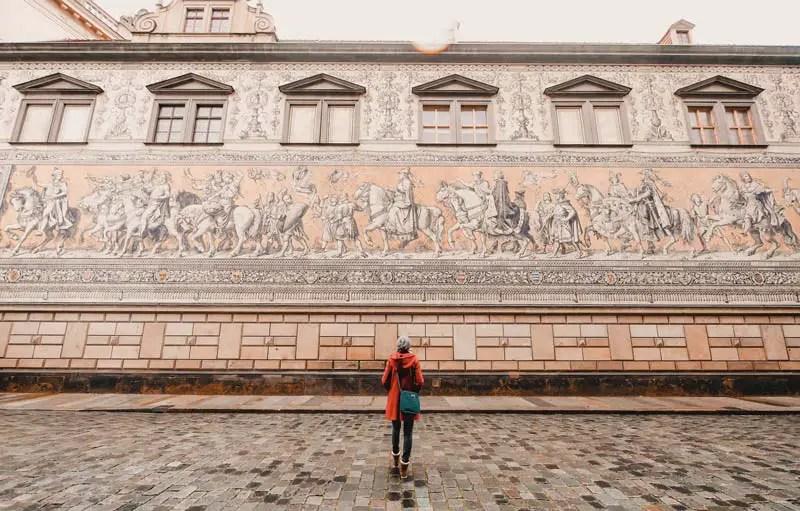Dresden Sehenswürdigkeiten im Winter Fürstenzug