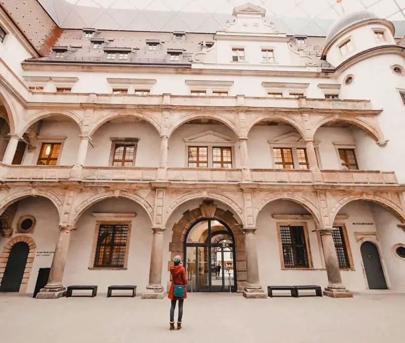 Dresden Sehenswürdigkeiten im Winter Residenzschloss