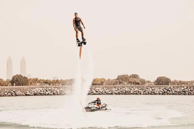 Dubai Aktivitäten Ausflüge Flyboarding