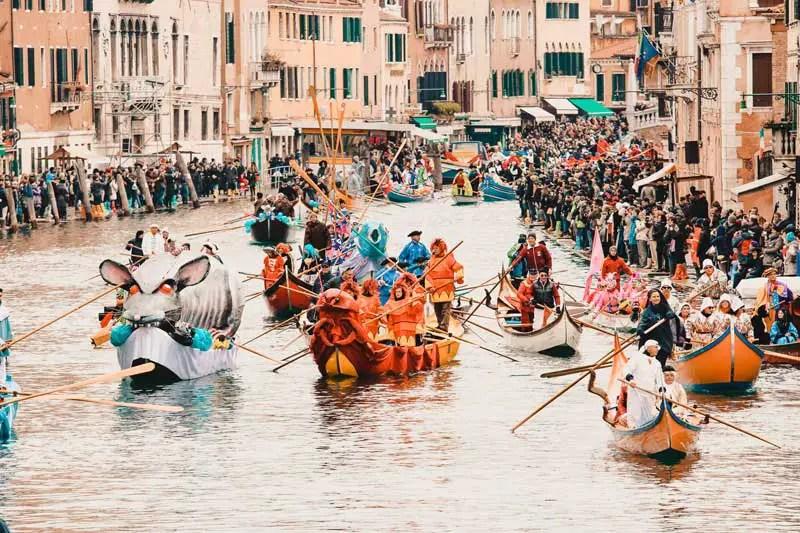 Venedig Sehenswürdigkeiten Karneval
