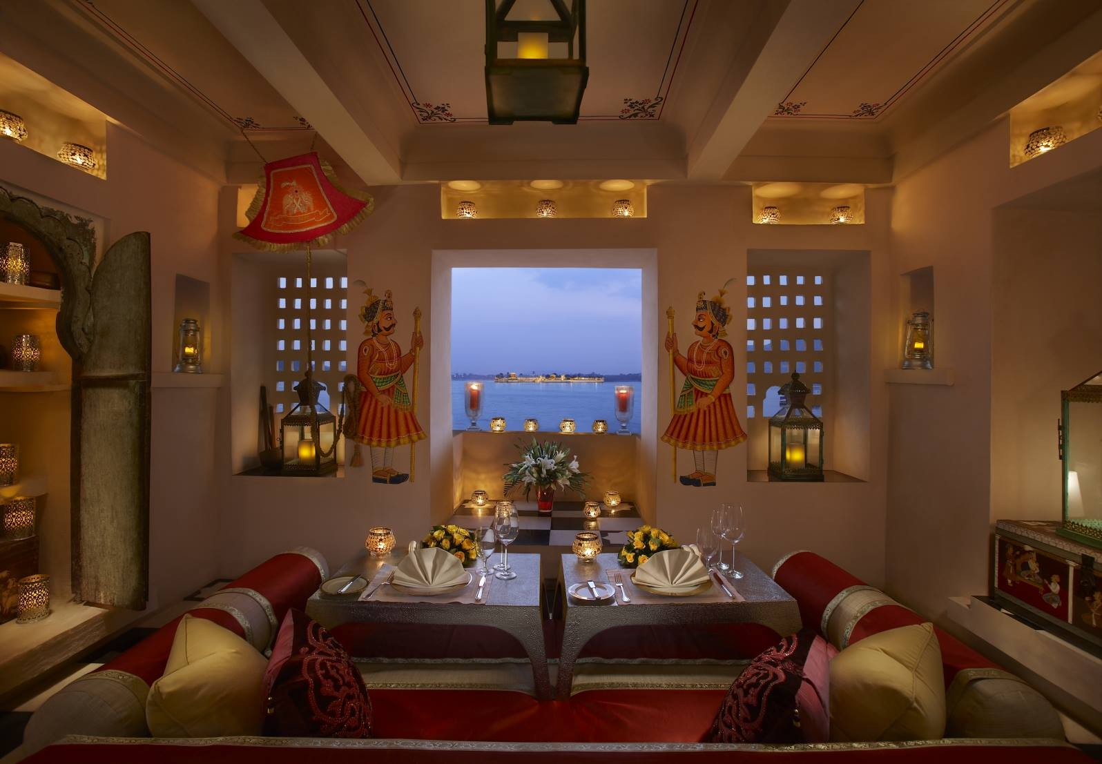 The Leela Palace Udaipur Rooms